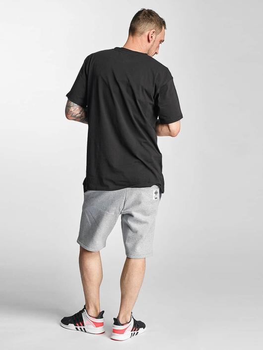 Grimey Wear Shorts X Years grau