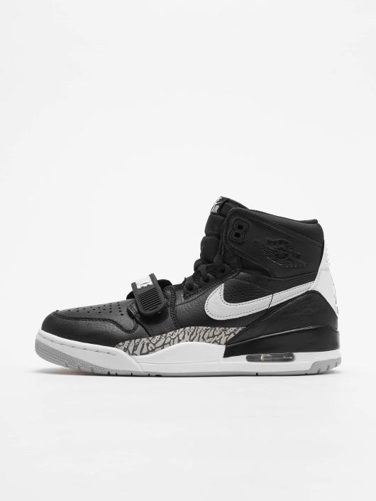 Jordan Baskets Air Legacy 312 noir