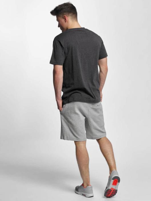 Merchcode T-Shirt Sascha Gramme grau