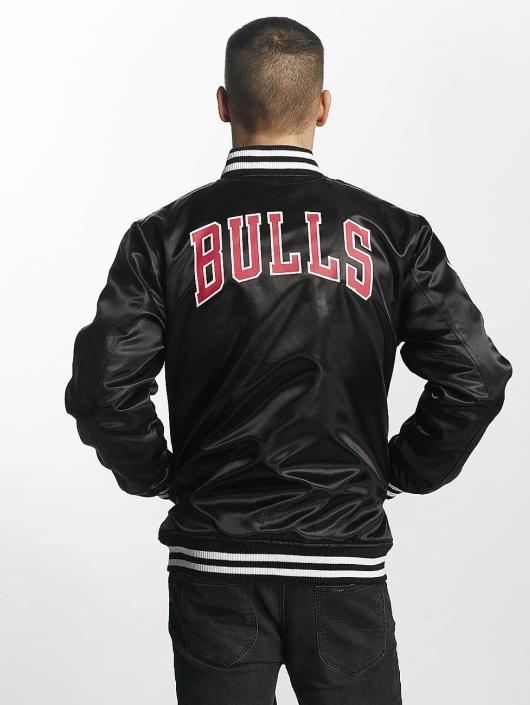 New Era Tip Off Chicago Bulls Sateen Bomber Jacket Black
