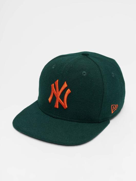 New Era Snapback Caps MLB Winter Utlty Melton New York Yankees 9 Fifty zielony