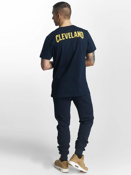 New Era T-Shirt Tip Off Cleveland Cavaliers Chest blau