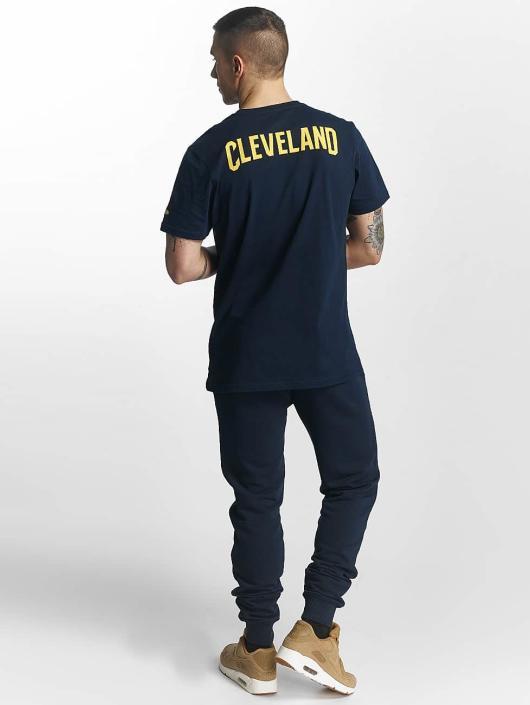 New Era tepláky Tip Off Cleveland Cavaliers modrá