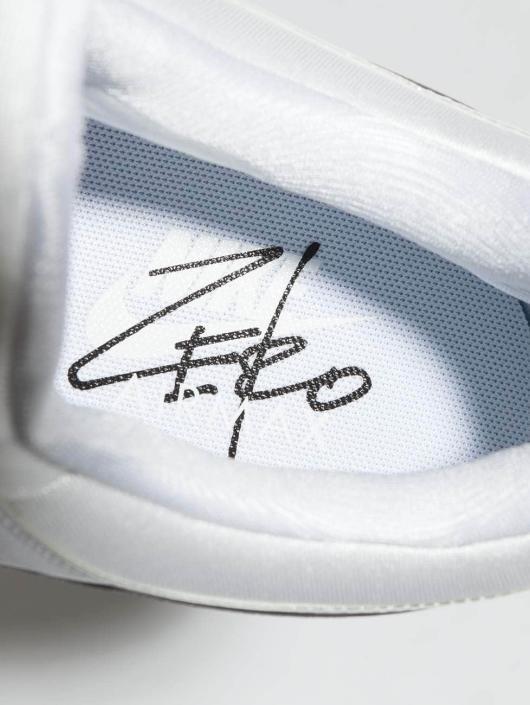 Nike Сникеры Air Max Zero Essential S белый