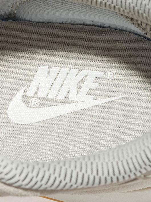 Nike Baskets Internationalist SE beige