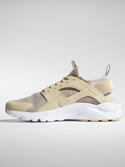 brand new 1da4f 48ca3 ... Nike Baskets Air Huarache Run Ultra Se beige ...