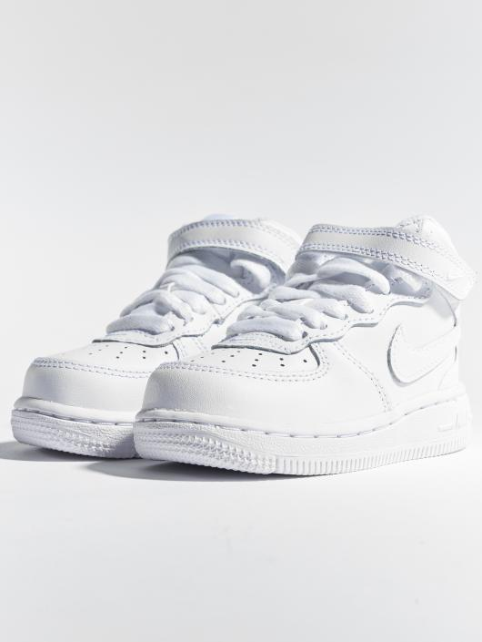 hot sale online 04e39 2c68a ... Nike Baskets Air Force 1 Mid TD blanc ...