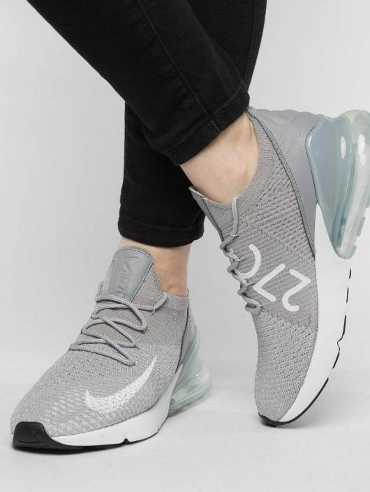 Nike Baskets Air Max 270 Flyknit gris