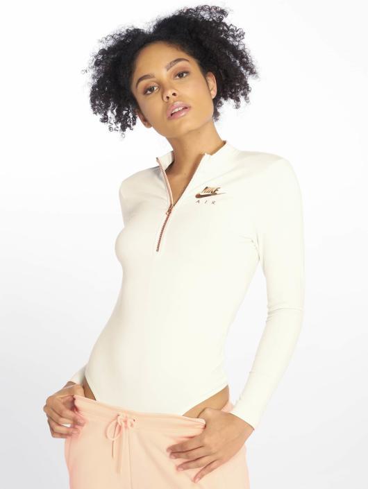 Nike Body Sportswear white