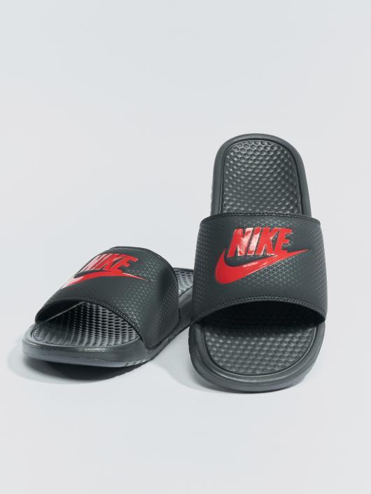 "Nike Chanclas / Sandalias Benassi ""just Do It."" negro"