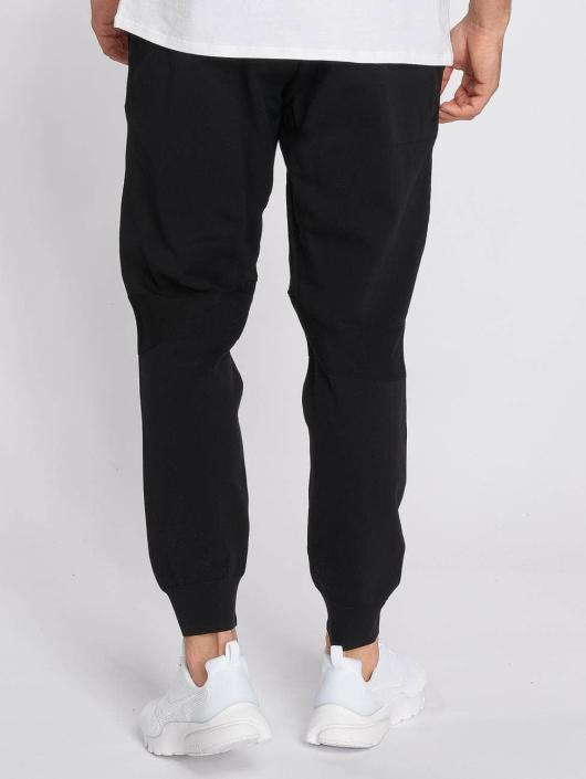 Nike joggingbroek Sportswear Tech Knit zwart