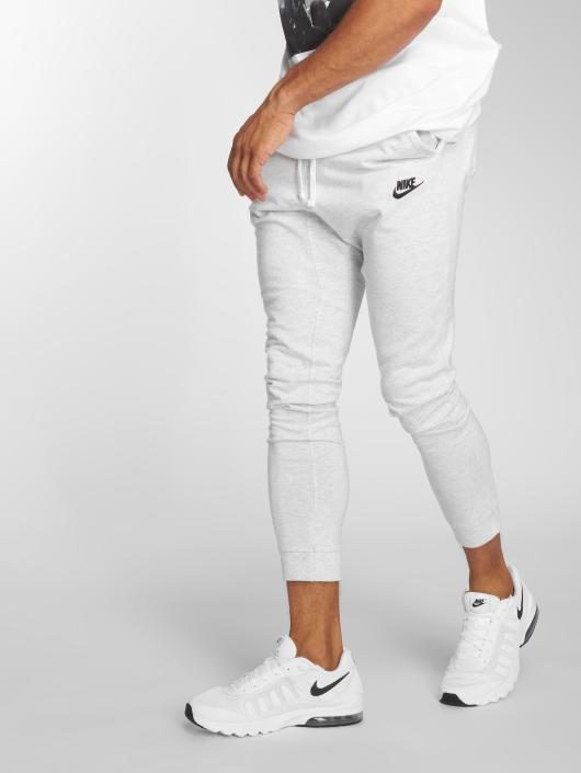nike herren jogginghose sportswear in grau 501015. Black Bedroom Furniture Sets. Home Design Ideas