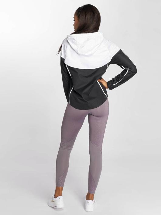 Nike Lightweight Jacket NSW Windrunner black