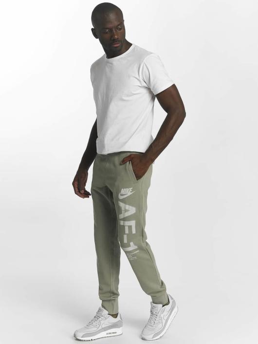 Nike Pantalón deportivo Sportswear verde