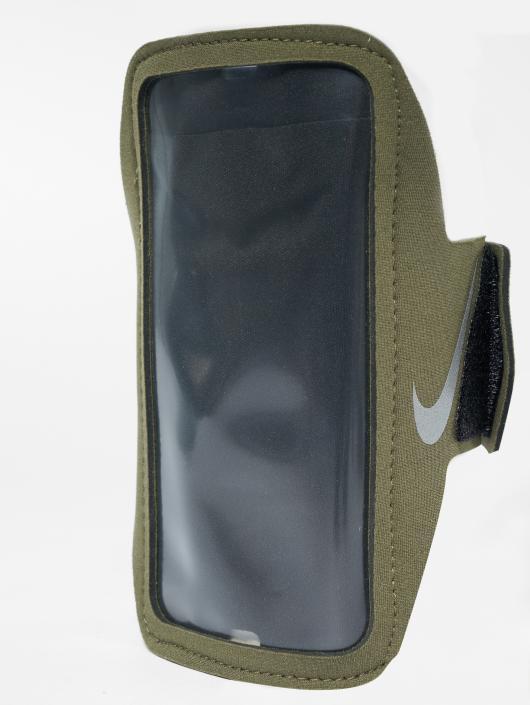 Nike Performance Armband Lean olive