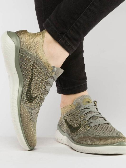Nike Performance Baskets Free RN Flyknit 2018 olive