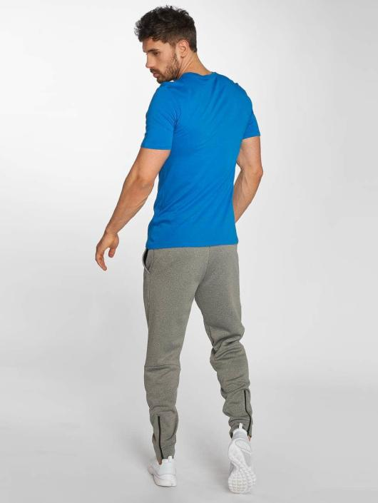 Nike Performance Jogginghose Therma Sphere grau