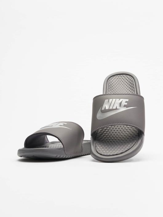 "Nike Sandals Benassi ""just Do It."" gray"