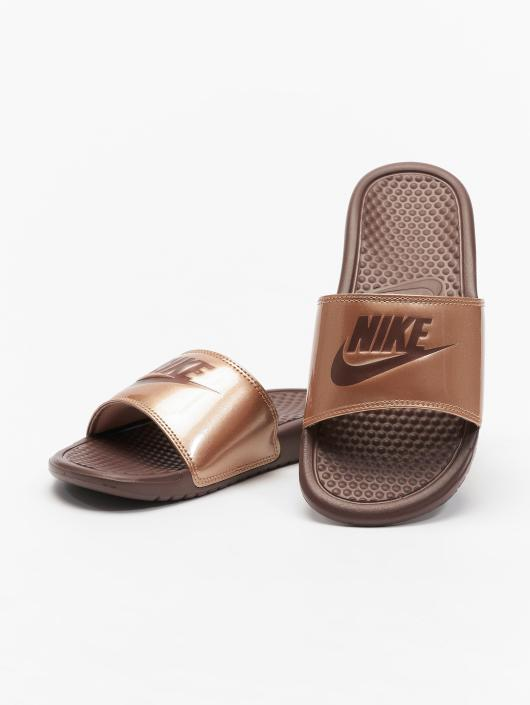 """Nike Sandals Benassi """"just Do It."""" red"""