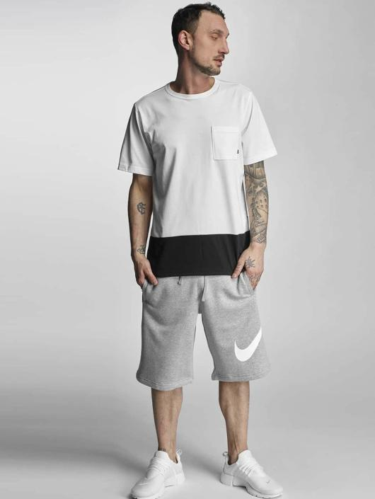 the latest 3ed23 4d7d5 ... Nike Short FLC EXP Club gris ...