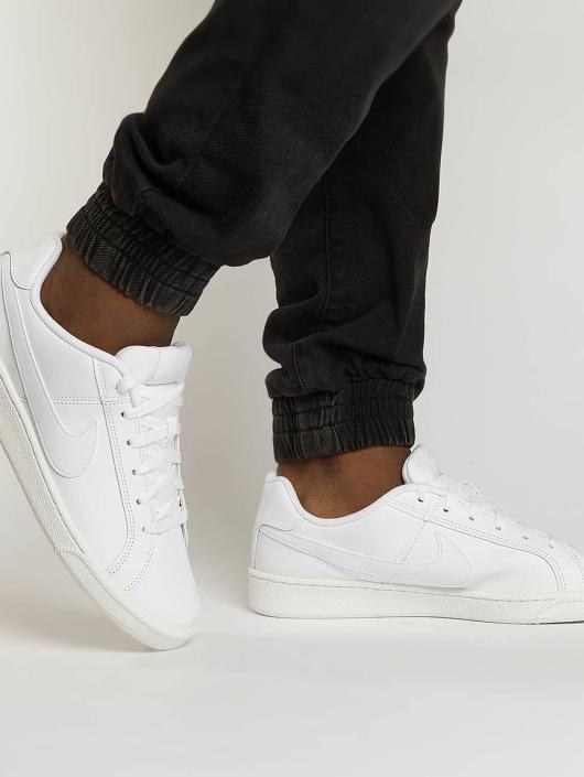 2e719a39211327 Nike Herren Sneaker Court Royale in weiß 422040