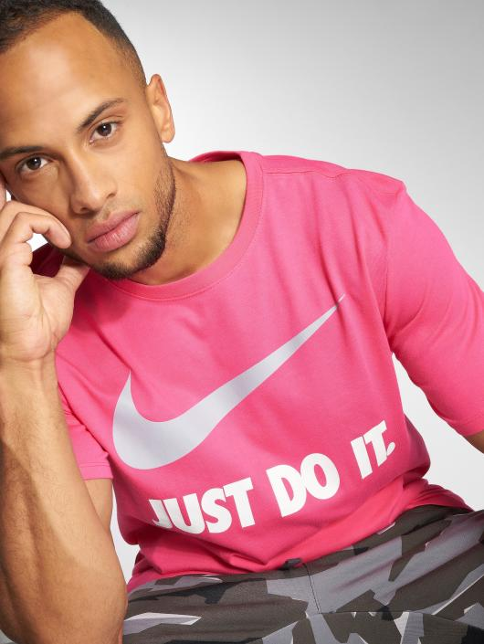 "Nike T-Shirt Sportswear ""just Do It."" Swoosh magenta"