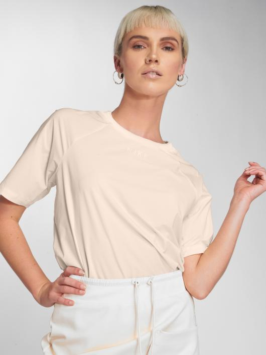 Nike T-skjorter Sportswear Tech Pack beige