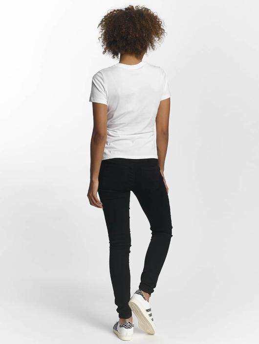 Noisy May T-paidat nmPhilippa valkoinen