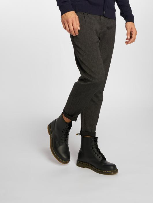 Only & Sons Chino pants onsLeo Cropped black