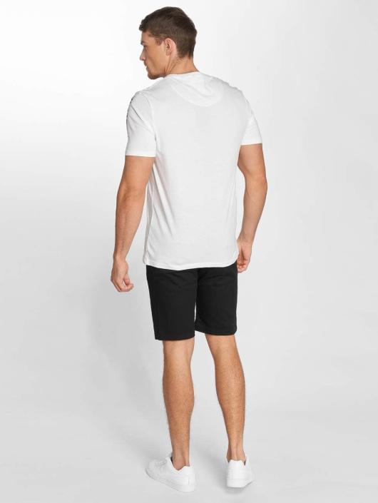Only & Sons t-shirt onsPlaystation wit