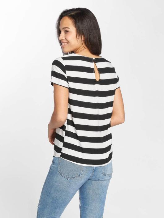 Only T-Shirt onlFirst black