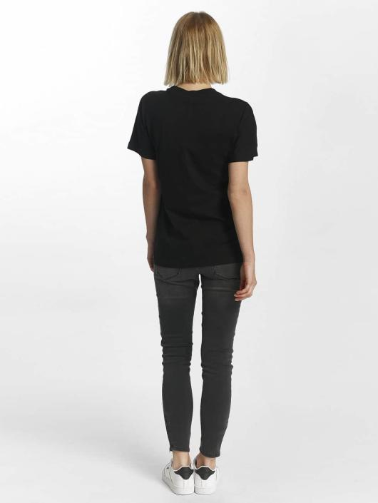 Reebok T-skjorter F Classic svart