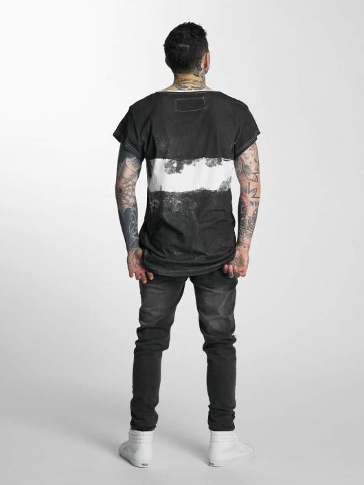 trueprodigy T-Shirt Bad Girls Be Liked black