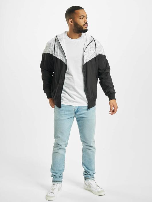 Urban Classics Демисезонная куртка Pattern Arrow Windrunner черный