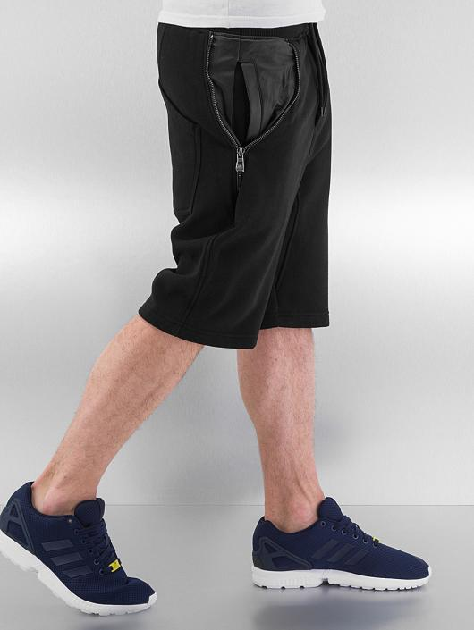 Urban Classics Shorts Side-Zip Leather Imitation schwarz