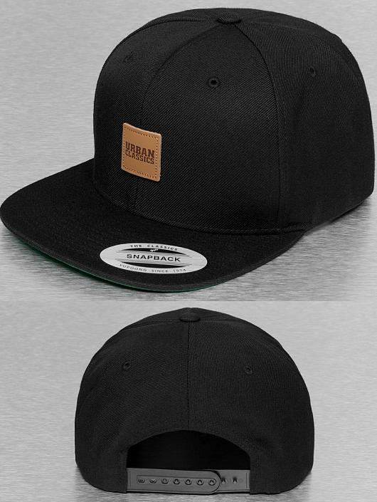 Urban Classics Snapback Cap Leather Patch schwarz