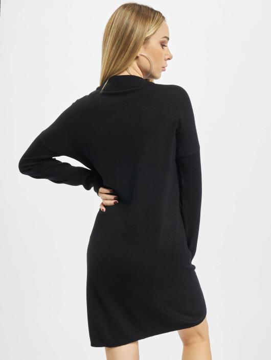 Urban Classics Sukienki Oversized Turtleneck czarny