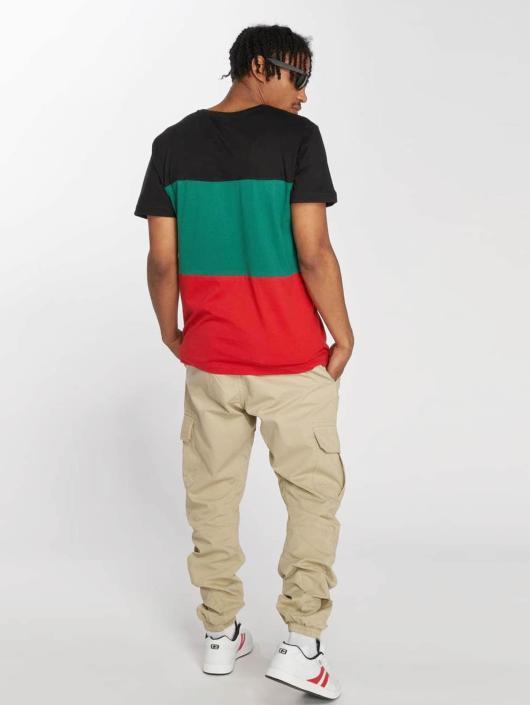 Urban Classics T-Shirt Color Block rot