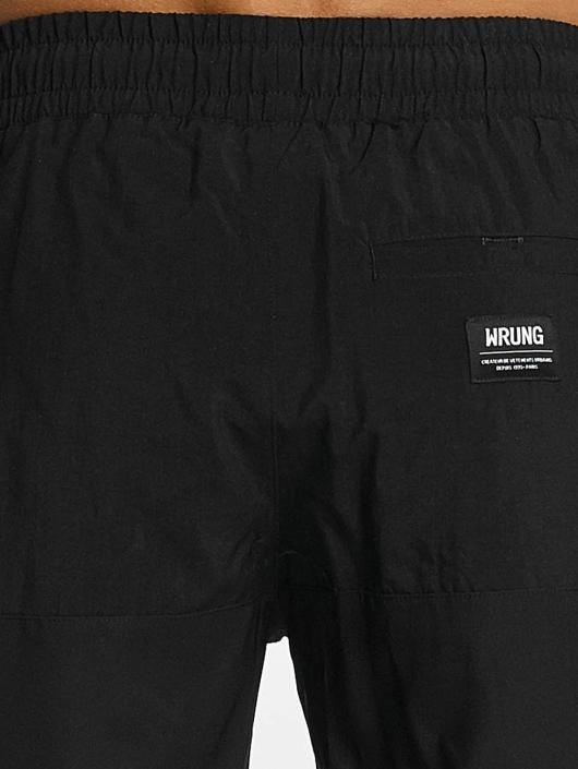 Wrung Division Shorts Alpha schwarz