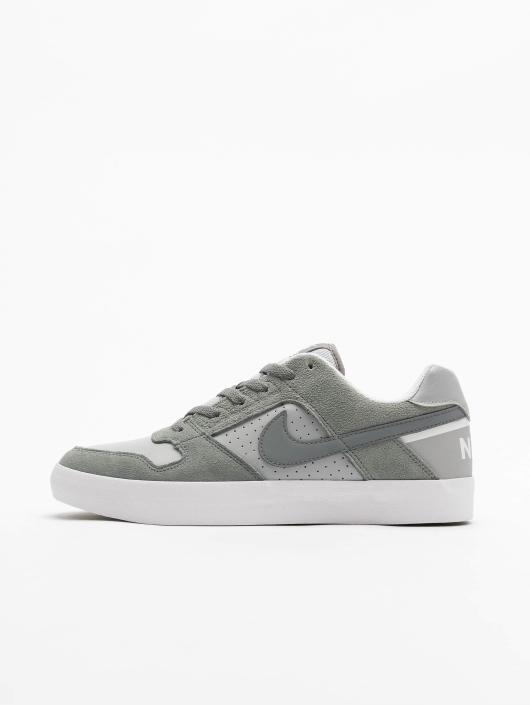 official photos dcb3a a7a87 ... Nike SB Baskets SB Delta Force Vulc Skateboarding gris ...