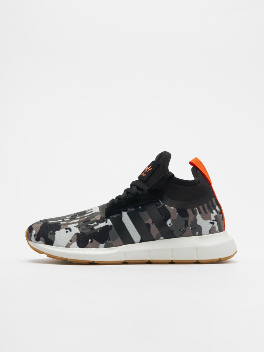 adidas originals Сникеры Originals Swift Run Barrier камуфляж