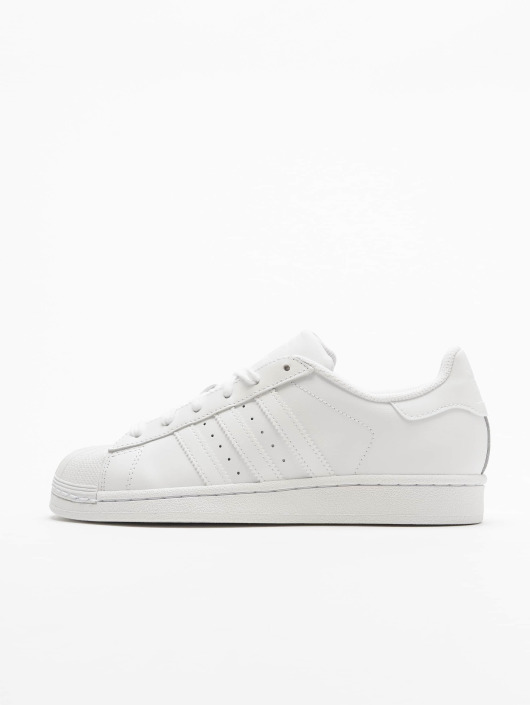 ... adidas originals Baskets Superstar Founda blanc ...