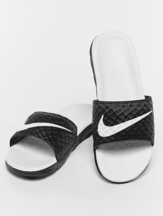 6a40856230e035 Nike Sko   Sandal Benassi Solarsoft Slide i sort 467443