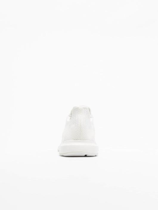 adidas originals Сникеры Swift Run белый
