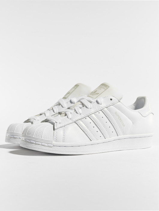 ... adidas originals Baskets Superstar W blanc ...