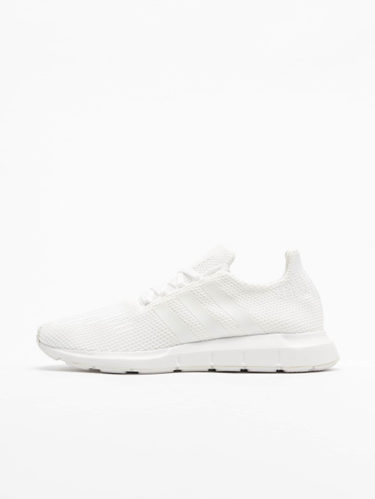cd7d9ccb0dab5a adidas originals | Swift Run blanc Homme Baskets 498934