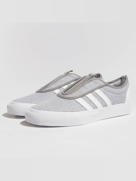 new products 67b70 96ff2 ... adidas originals Baskets Adi-Ease-Kung-Fu gris ...