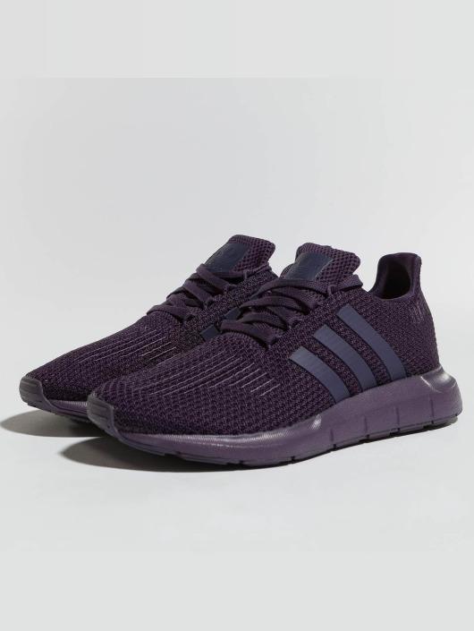 sports shoes c0e60 fc233 ... adidas originals Baskets Swift Run pourpre ...