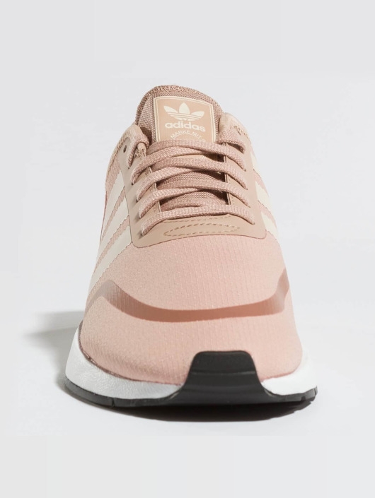 adidas originals Sneaker Iniki Runner CLS W rosa chiaro