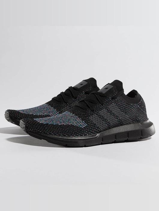 Sneaker Originals Adidas Run Swift Zwart Primeknit p5xvxwBn